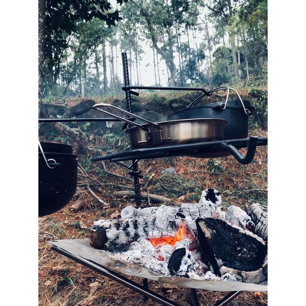 鐵iron work 焚火吊掛組 月掛套組 吊鍋架 鐵架 焚火台 烤肉架 露營 戶外 附收納袋【露戰隊】IW10003